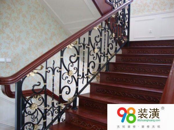 铁木楼梯有什么特点 铁木楼梯要怎样进行设计