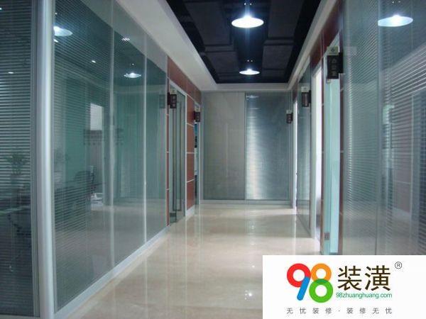 活动玻璃隔断墙施工设计技巧   玻璃隔断墙施工设计要点