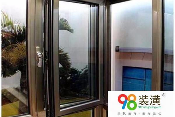 塑钢平开窗制作流程 平开窗与推拉窗的区别有哪些
